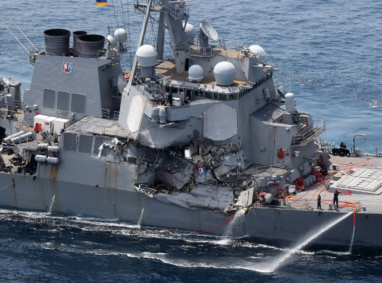 Amerikai hadihajó ütközött Fülöp-szigeteki konténerszállítóval – heten eltűntek
