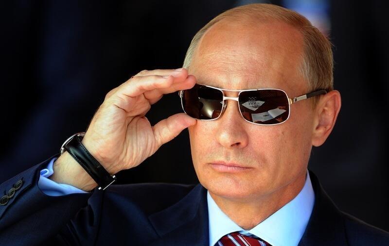 Putyin aláírta a törvényt, amivel kisöpörhetik a civil szervezeteket Oroszországból