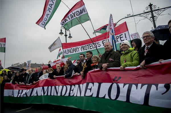 Ifj. Lomniczi Zoltán: a Békemenet megmutatta, a nemzeti tábornak vannak még tartalékai
