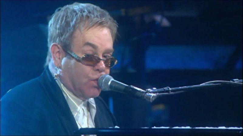 Már forgatják az életrajzi filmet Elton Johnról