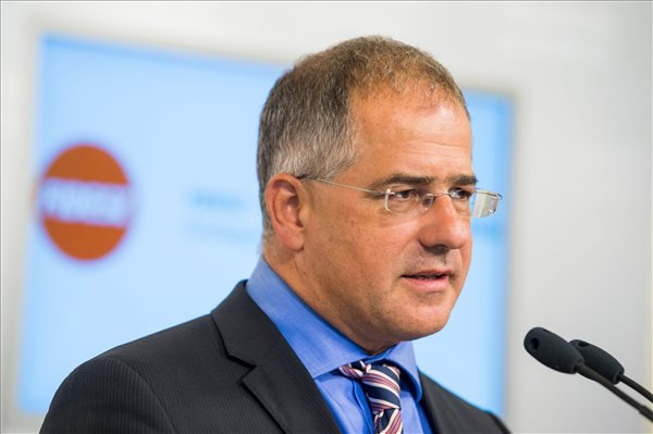 Eldőlt Kósa Lajos sorsa: nem marad miniszter