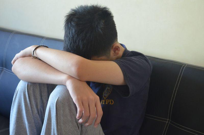 Nehéz sorsú fiúkat közvetítettek ki szexre külföldieknek – tizenegy embert ítéltek el