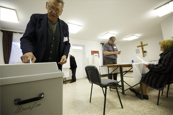 Választás 2018 – Rekordmagas részvétel 9 órakor