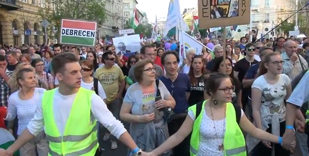 """""""Lehet, hogy nem kell négy évet várni, hogy leváltsuk a kormányt"""" – véget ért a második nagy ellenzéki tüntetés"""