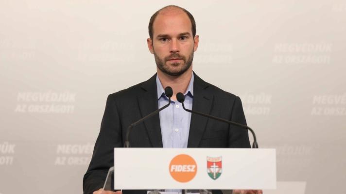 Hollik István: Sorosnak mindenhol megvannak az emberei