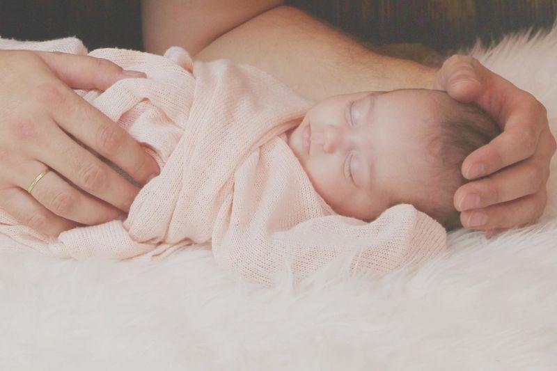 Jobban alszanak azok a babák, akik korábban kapnak szilárd táplálékot