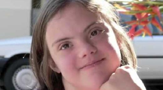A szülők fúrták meg egy általános iskolában, hogy a fogyatékkal élő gyerekek egy tablón szerepeljenek az egészségesekkel