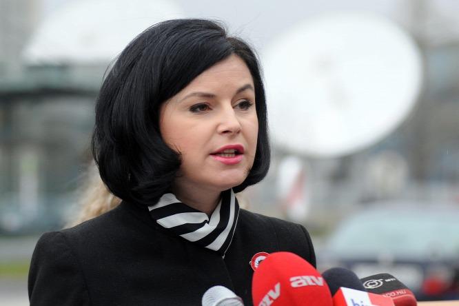 Kunhalmi Ágnes visszalép, ketten küzdenek tovább az MSZP-elnökségért