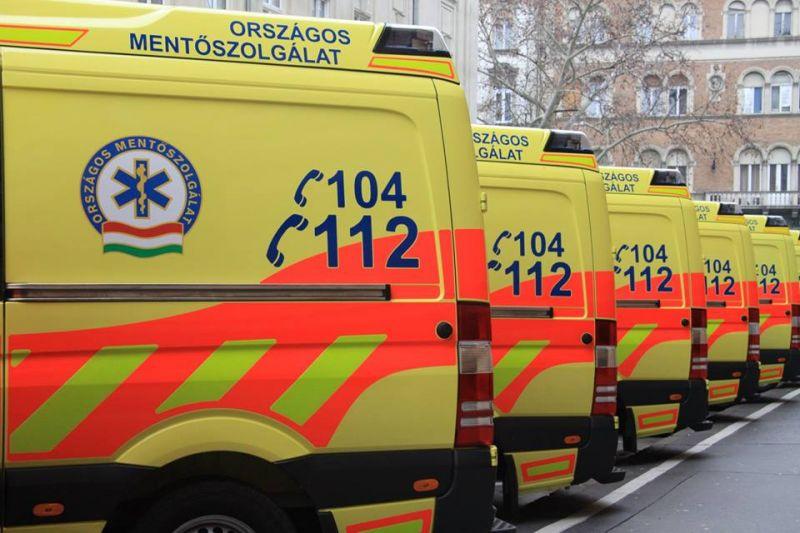 Javul a szolniki mentőbalesetben megsérült mentődolgozók állapota