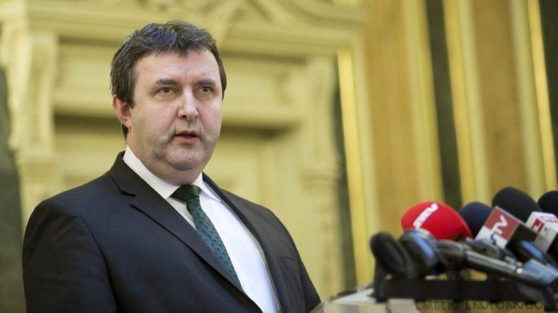 Palkovics: a kormány nem akar beleszólni, mely területekre fordítja forrásait az Akadémia