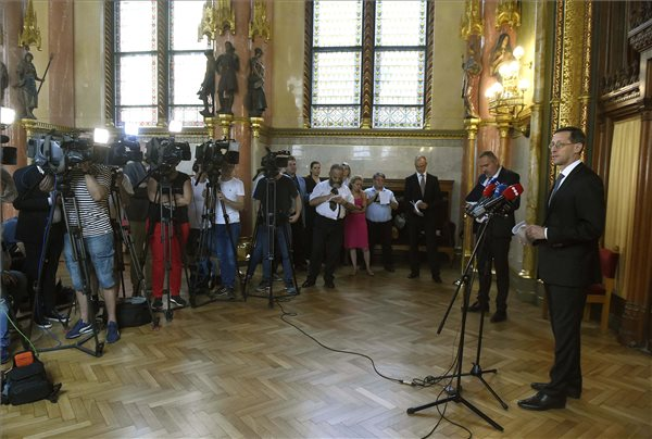 Varga: a jövő évi büdzsé az ország biztonságának megőrzésére és a növekedésre koncentrál