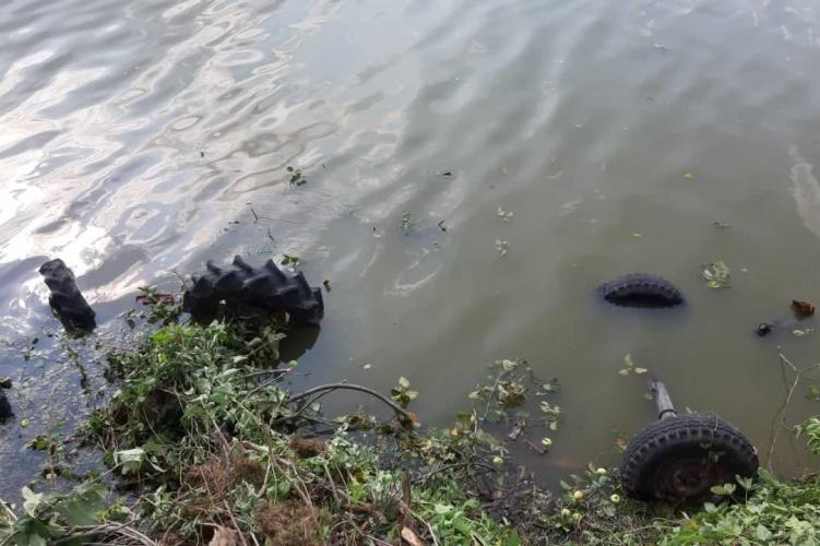 Traktorjával tóba zuhant és meghalt egy férfi Tolna megyében