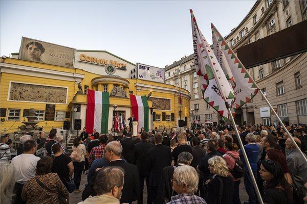 Hazaárulózással zavarták meg a Jobbik ünnepi rendezvényét