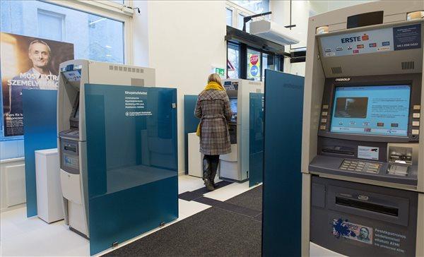 Bankszámlák tömegét fagyaszthatják be a jövő héten