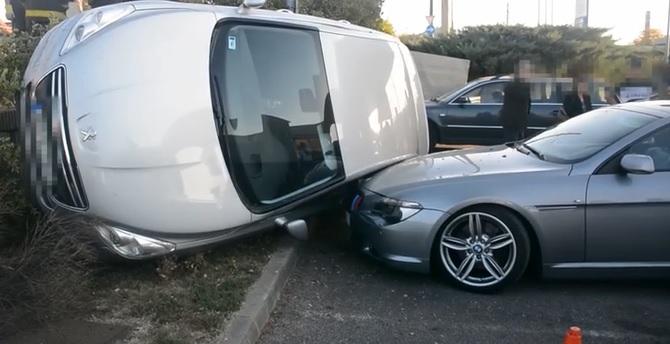 Furcsa baleset történt egy BMW-vel Budapesten