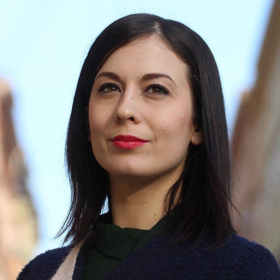 """Miközben hatalmas építkezések zajlanak Felcsúton, a kormánymédia """"leleplezte"""" a momentumos Cseh Katalint, aki járt a VOLT Fesztiválon"""
