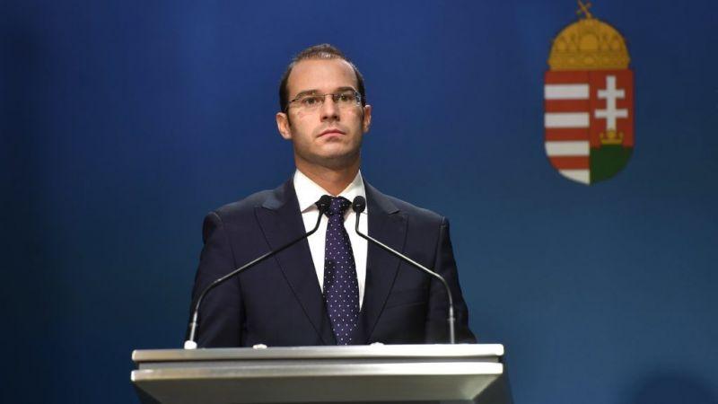 Kormányszóvivő: megalázó, hogy Brüsszel ilyen kevést pénzt fizet nekünk határvédelemre