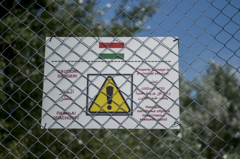 Szlovák belügyminiszter: a kerítés segített, ma már ezt az Orbánt lediktátorozók is ...