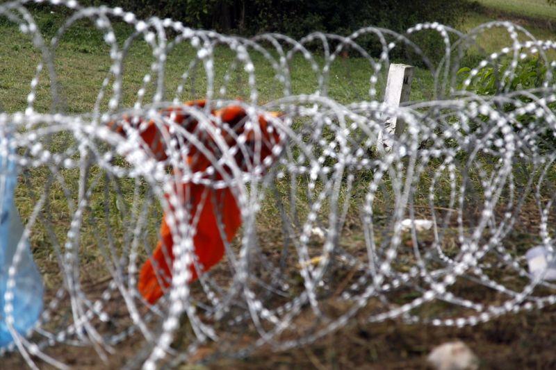 Szlovénia bejelentette: kerítést épít a horvát határra