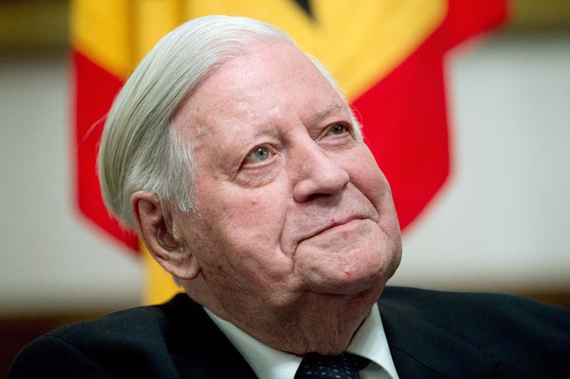 Elhunyt Helmut Schmidt volt német kancellár