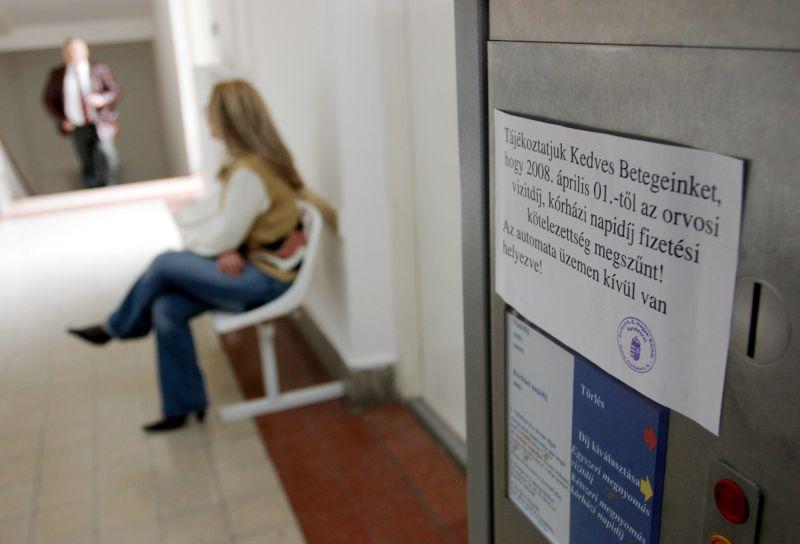 Annyira berágtak a magyarok az egészségügy állapotára, hogy már vizitdíjat is fizetnének
