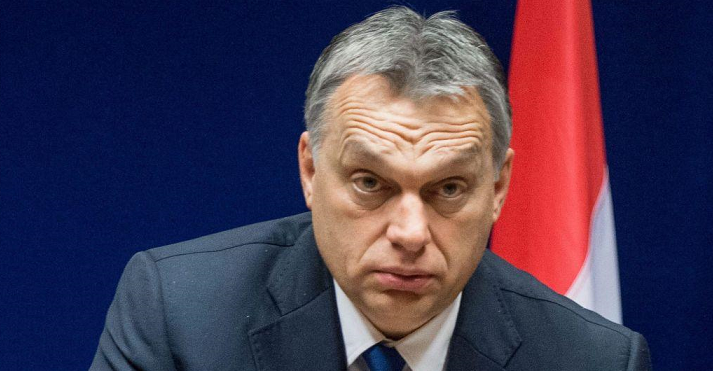 Horthyhoz hasonlítják Orbánt a Le Monde-ban