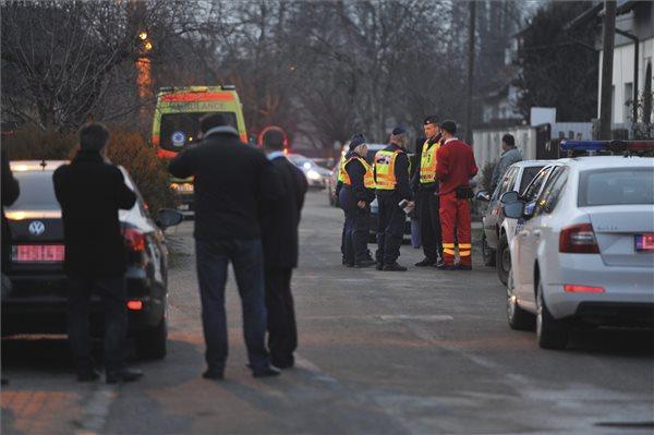 Agyonlőtte gyerekét, majd magával is végzett egy rendőrnő Budapesten