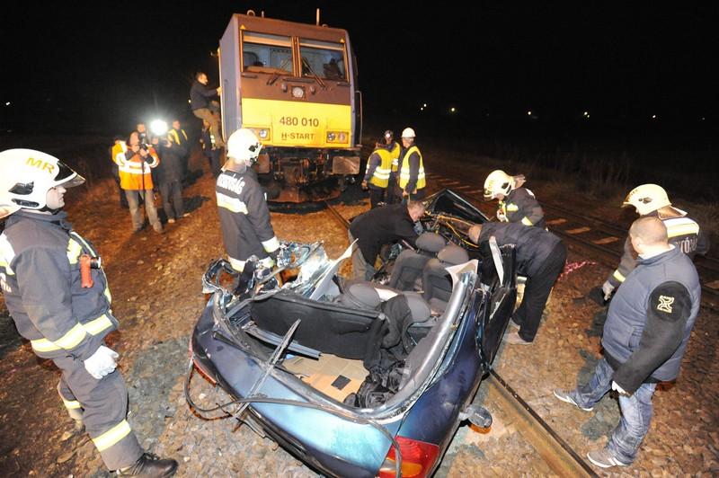 Brutális baleset: vonattal ütközött és meghalt egy autós Pilisen