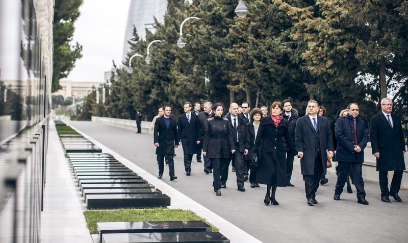 Egy kommunista diktátor emléke előtt tisztelgett ma Magyarország miniszterelnöke