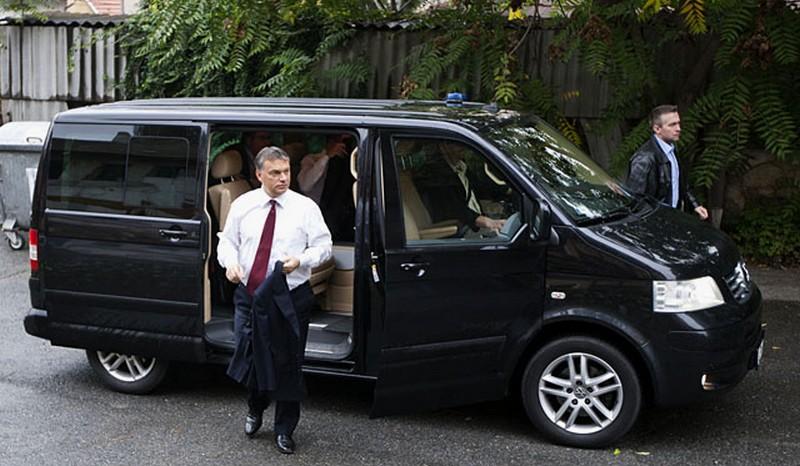 Orbán kisbuszát több miniszter is megirigyelte