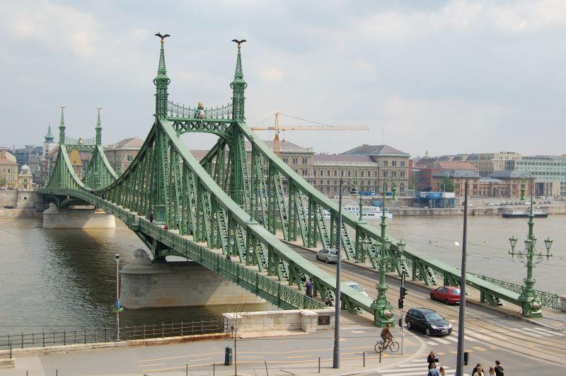 Vasárnap lezárják a Szabadság hidat hajnaltól délutánig