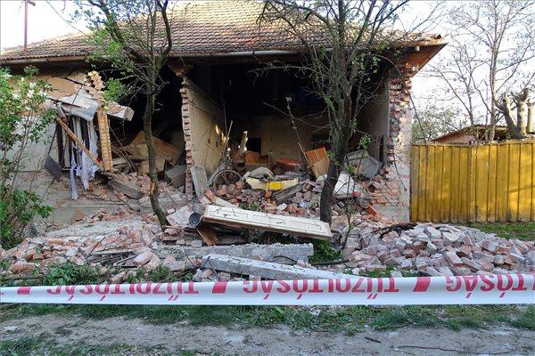Gázrobbanás volt egy családi házban