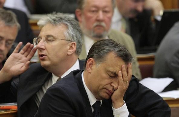 Kínos kérdést kapott Orbán, a válasz komédiába illett