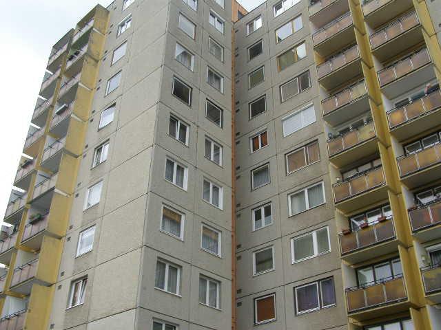 Megölte a feleségét, majd kiugrott az ötödik emeletről a szombathelyi férfi