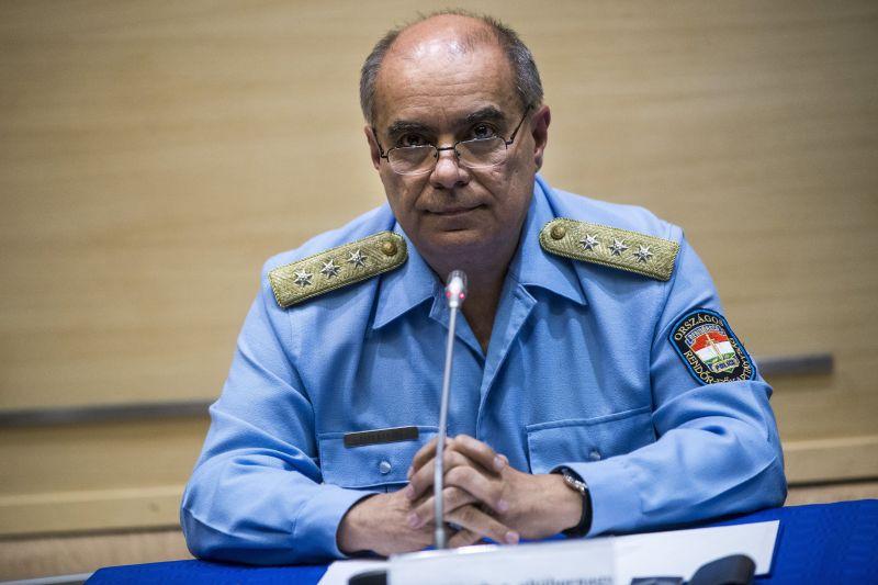Rendőrség: A Teréz körúton a rendőröket ki akarták végezni