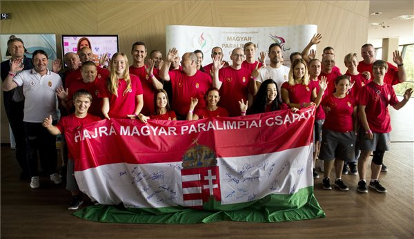 Elbúcsúztatták a magyar paralimpiai csapatot