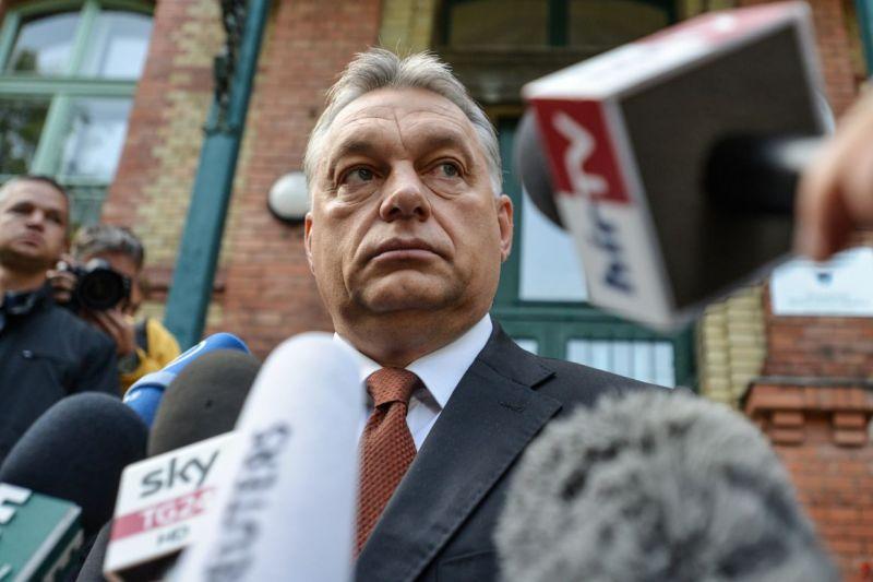 Orbán 18 ezer bevándorlót engedett be pénzért az országba