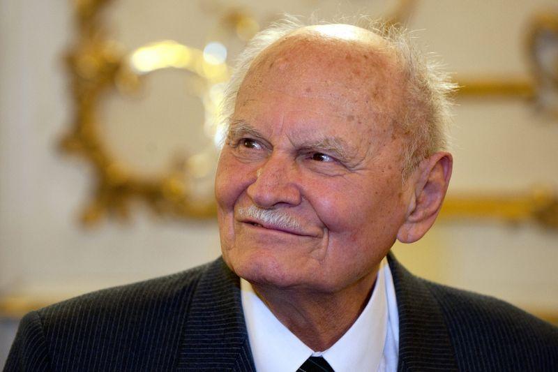 Szobrot emelnek Göncz Árpádnak a tisztelői