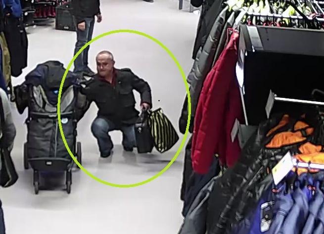 Babakocsiból lopott pénzt egy férfi, keresi a rendőrség – videó