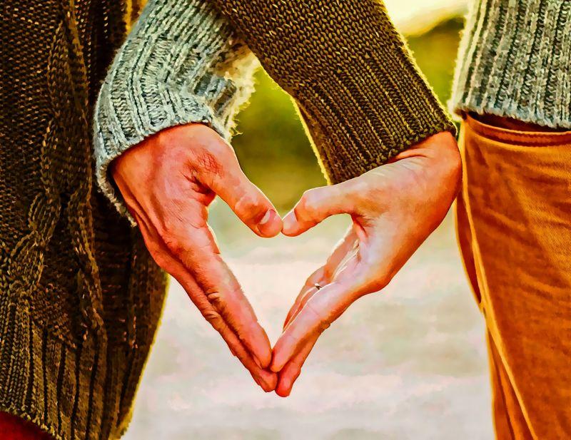 Hibázott a NAV: meleg és leszbikus párokat is megillet az adókedvezmény