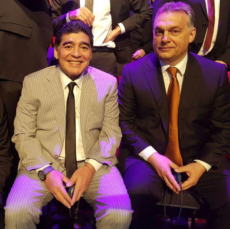 Miniszterelnöki minőségében nem lehetett volna ott Orbán a FIFA-gálán