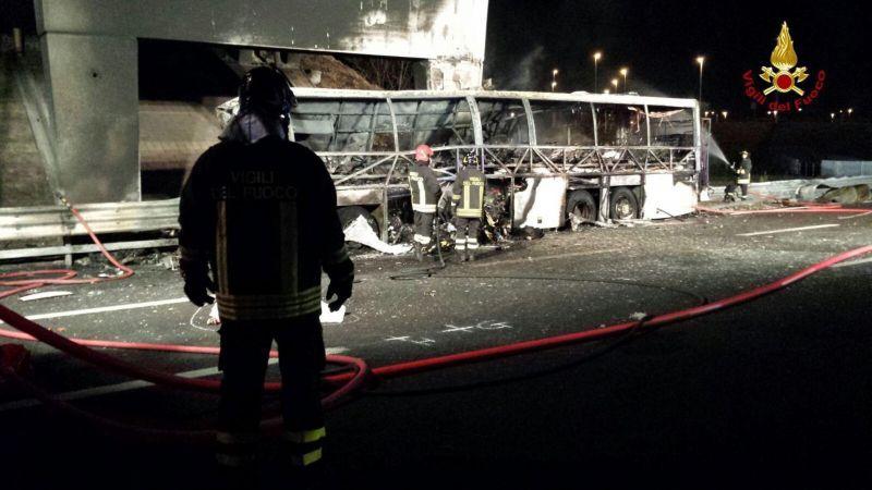 Gyerekeket szállító magyar busz szenvedett balesetet Olaszországban