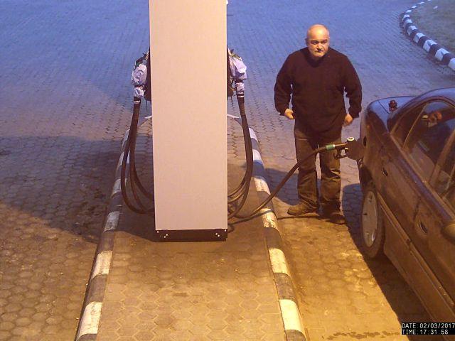 Elvetemült ingyen tankolót keres a rendőrség