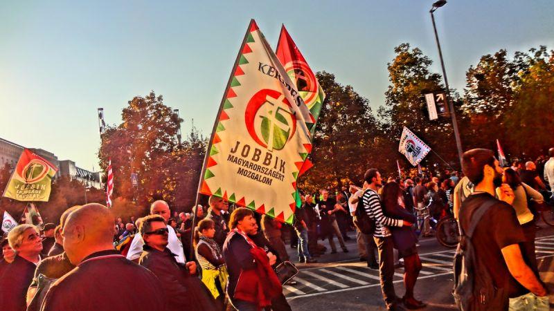 Belháború: Jobbikos tüntetést hirdettek Vona Gábor ellen