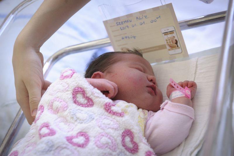 Debrecenben született az első gyermek vidéken