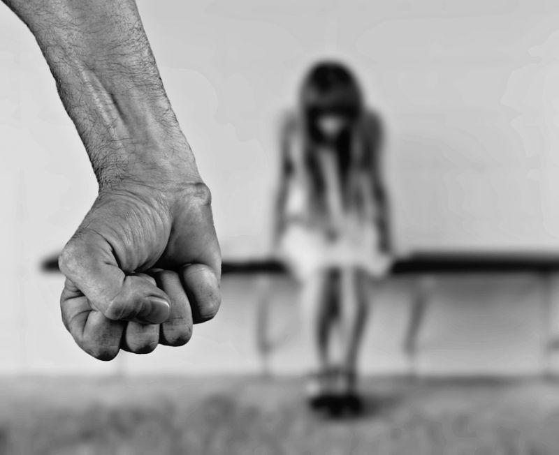 Buzgó kereszténynek mutatta magát a gyermekét erőszakoló apa