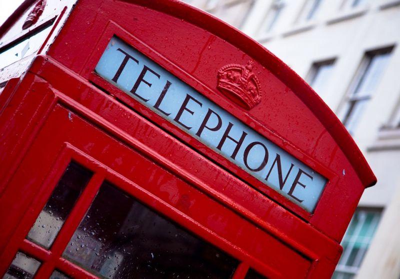 Zuhanórepülésbe kezd a brit gazdaság a Brexit miatt