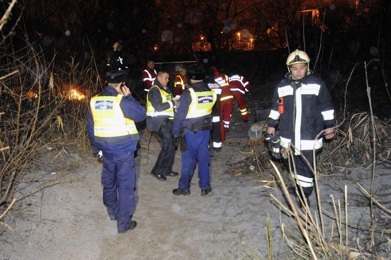Hajléktalanok kunyhója gyulladt ki a Budapesten, egy ember meghalt