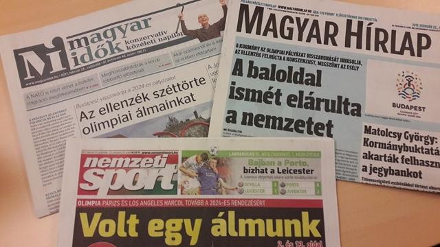 Gyászoló címlappal jelent meg több hazai napilap