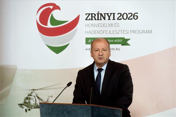 Simicskó szerint a térség meghatározó ereje lesz a Magyar Honvédség